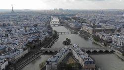 Pemandangan Paris dari Udara saat Lockdown karena Corona