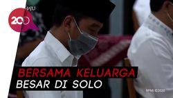 Jokowi Gelar Tahlilan Berjarak Untuk Almarhumah Ibundanya