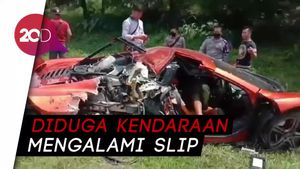 Kecelakaan di Tol Jagorawi, Supercar McLaren Ringsek Parah!