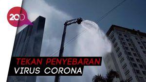 Gedung-gedung Tinggi di Surabaya Disemprot Disinfektan