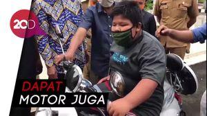 Bocah Penjual Jalangkote Korban Bullying Dapat Beasiswa dari Gubernur Sulsel