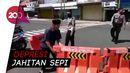 Viral! Pria Uring-uringan Bongkar Barikade Jalan di Wonosobo