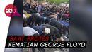 Bikin Kagum! Nonmuslim Bentengi Umat Islam Salat di Tengah Demo Floyd