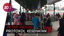 Ramainya Antrean Penumpang Kereta di Stasiun Manggarai