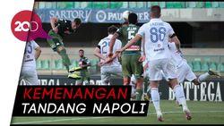 Dua Gol Sundulan Menangkan Napoli atas Verona