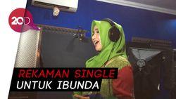 Hijrah, Roro Fitria Banting Setir dari Dangdut ke Religi