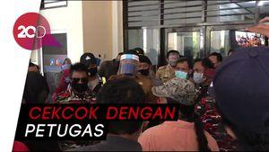 Massa Geruduk Kantor Disdik Makassar, Duga Ada Kecurangan PPDB
