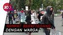 Sempat Bersitegang dengan Warga, Massa Aksi Gejayan Bubarkan Diri