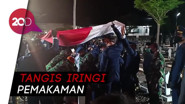Tangis Iringi Pemakaman Pilot Pesawat Tempur yang ...