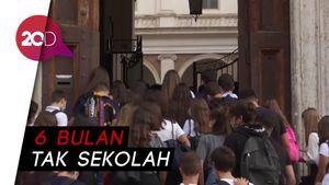 Pelajar di Italia Mulai Kembali ke Sekolah