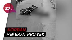 Detik-detik Pria Tertimpa Besi Proyek Jalan Layang di Jakut