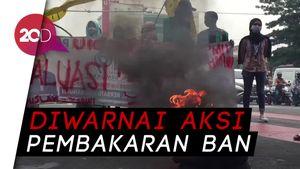 Tolak Omnibus Law, Mahasiswa Demo di Lampu Merah Rawamangun