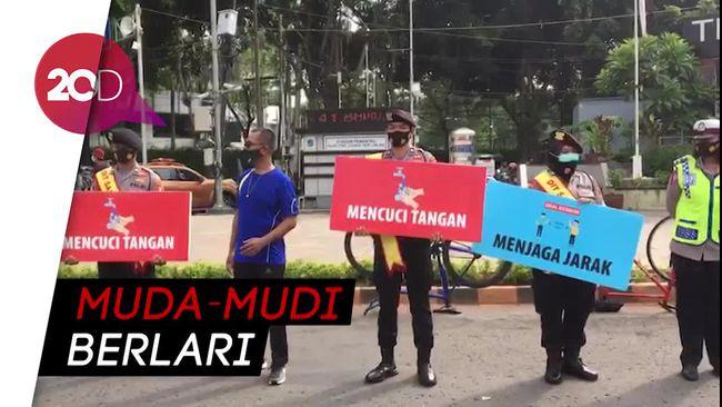DKI Terapkan PSBB Transisi, Bundaran HI Kembali Dipadati Warga