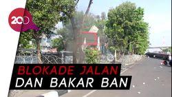 Demo Tolak Omnibus Law, Massa di Makassar Tutup Sejumlah Jalan Protokol