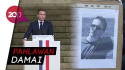 Presiden Prancis Sebut Guru yang Dipenggal Pahlawan