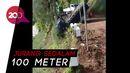 Jalan Licin Berlumpur, Pikap Terjun ke Jurang di Lumajang