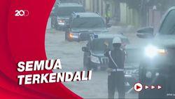 Momen Rombongan Jokowi Menerobos Banjir di Kalsel