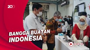 Menteri Luhut Jajal GeNose Alat Canggih Deteksi Covid-19 di Stasiun Senen