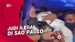 Striker Brasil, Gabigol Ngumpet di Bawah Meja Judi Saat Digerebek Polisi