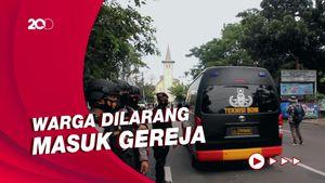 Usai Bom, Polisi Bersenjata Masih Berjaga di Gereja Katedral Makassar