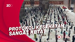 Salat Tarawih Pertama di Masjid Istiqlal dengan Jaga Jarak