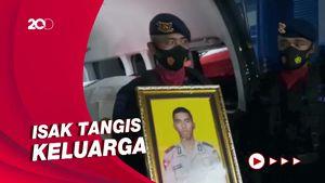 Haru dan Khidmat Penyambutan Jenazah Polisi yang Gugur Ditembak KKB