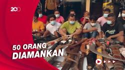 Penampakan Sajam-Pistol Rakitan dalam Penggerebekan Kampung Ambon
