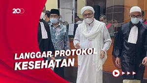 Habib Rizieq Dituntut 2 Tahun Penjara di Kasus Kerumunan Petamburan