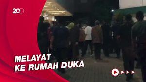 Jokowi Melayat ke Rumah Duka Istri Menkumham Yasonna Laoly