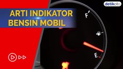 Ini Arti Tanda Segitiga Kecil di Samping Indikator Bensin Mobil
