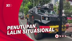 Antisipasi Aksi Jokowi End Game Kendaraan Taktis Bersiaga di Kawasan Monas