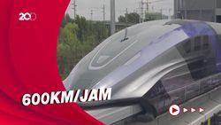 China Luncurkan Kereta Tercepat di Dunia
