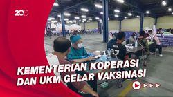 Vaksinasi COVID-19 Sasar Karyawan Ritel hingga UMKM di Bandung