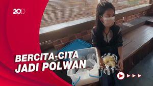 Bocah di Sukabumi Berjualan Makanan Tradisional Demi Bantu Keluarga