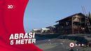 Gelombang Tinggi Hantam Pantai Apra Cianjur, Dua Warung Rusak