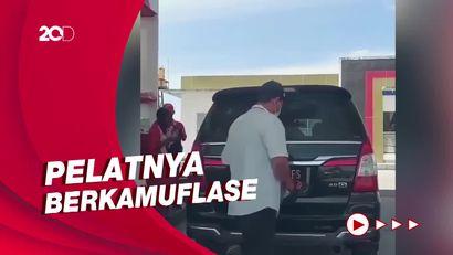 Heboh! Mobil Innova Ganti Pelat Merah Jadi Hitam Saat Isi Bensin