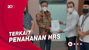 Pengacara Habib Rizieq Sambangi DPR, Bahas Apa?