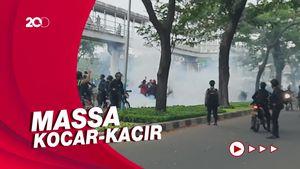 Pendukung HRS Ricuh, Polisi Tembakkan Gas Air Mata