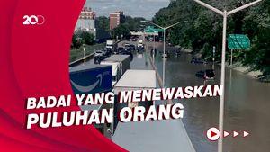 Penampakan Mobil-mobil di AS Berserakan Terendam Banjir Badai Ida