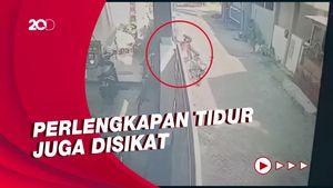 Aksi Pemotor Perlente Curi Guling Terekam CCTV