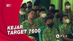 Jelang PTM, Ribuan Santri di Makassar Jalani Vaksinasi Covid-19