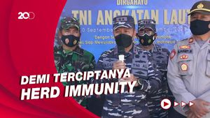 TNI AL Gelar Vaksinasi Covid-19 untuk Warga Karimun Jawa