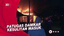 5 Rumah Terbakar di Makassar Jadi Tontonan Warga