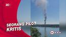 Pesawat Latih Tempur AS Jatuh di Permukiman Warga