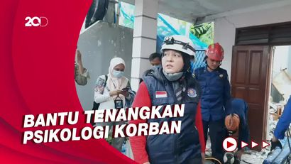 Sosok Evakuator Wanita yang Evakuasi Korban Crane Ambruk di Depok