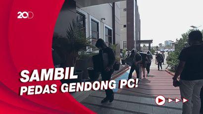 Puluhan Pegawai Pinjol Ilegal Sleman Digiring ke Polda Jabar