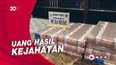 Penampakan Tumpukan Uang Tunai Rp 20,4 M Sitaan dari Pinjol Ilegal