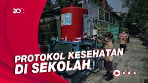 Soroti Prokes Saat PTM, Jokowi: Kantin-Parkiran Harus Terus Dipantau