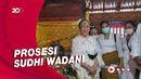 Momen Sukmawati Jalani Ritual Pindah Agama Hindu
