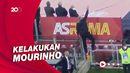 Aksi Panjat Pagar Mourinho Berikan Instruksi ke Pemain AS Roma